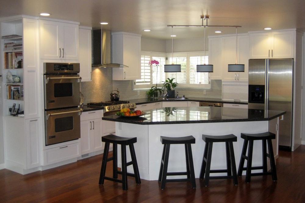 White Painted Modern Kitchen